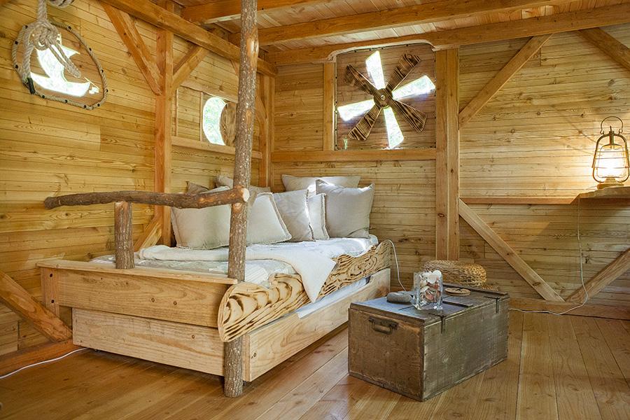 location de cabane perch e dans les bois en touraine la cabane du p cheur pour un hebergement. Black Bedroom Furniture Sets. Home Design Ideas