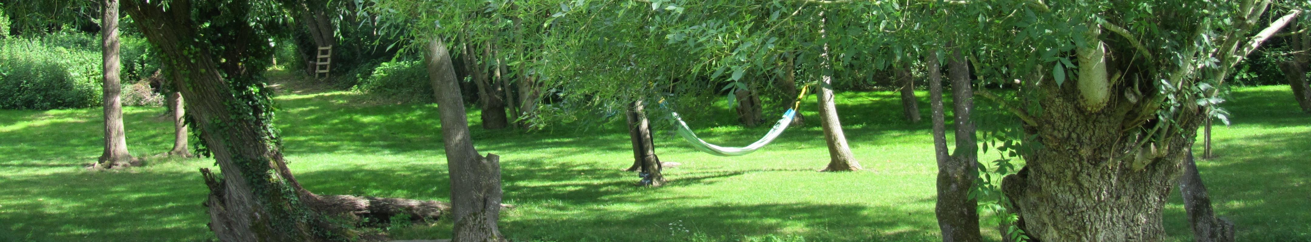 cabane perch e dans les arbres en touraine id ale pour une nuit insolite en bord de loire la. Black Bedroom Furniture Sets. Home Design Ideas